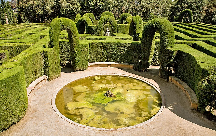 Horta Labyrinth Park - Barcelona Free For Kids