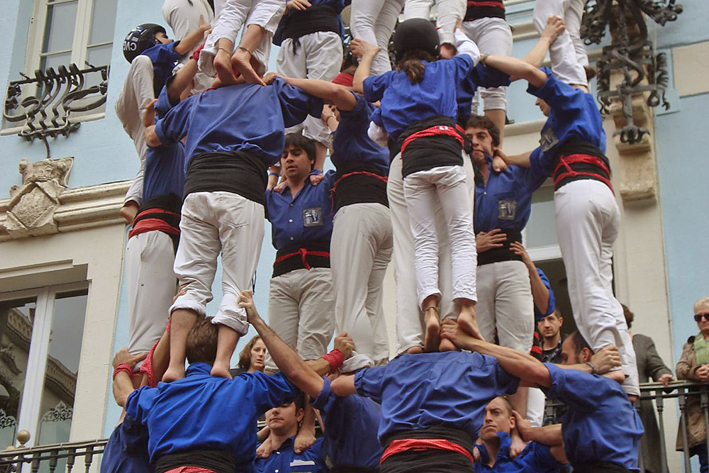 Human towers in Gracia (castellers)