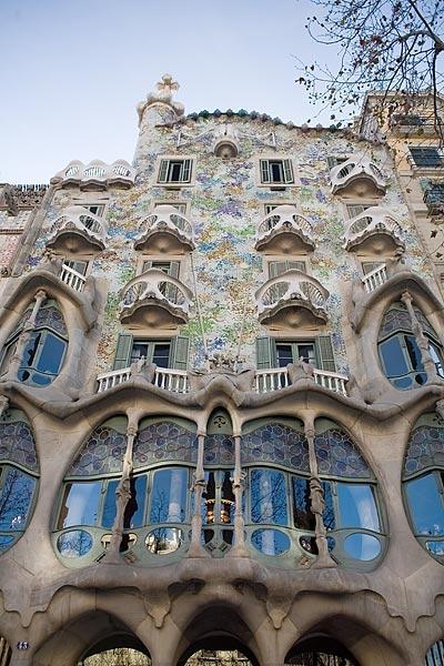 FREE GAUDI TOUR BARCELONA - Runner Bean Tours