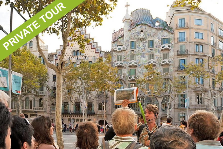 Gaudi Experience Private tour Barcelona