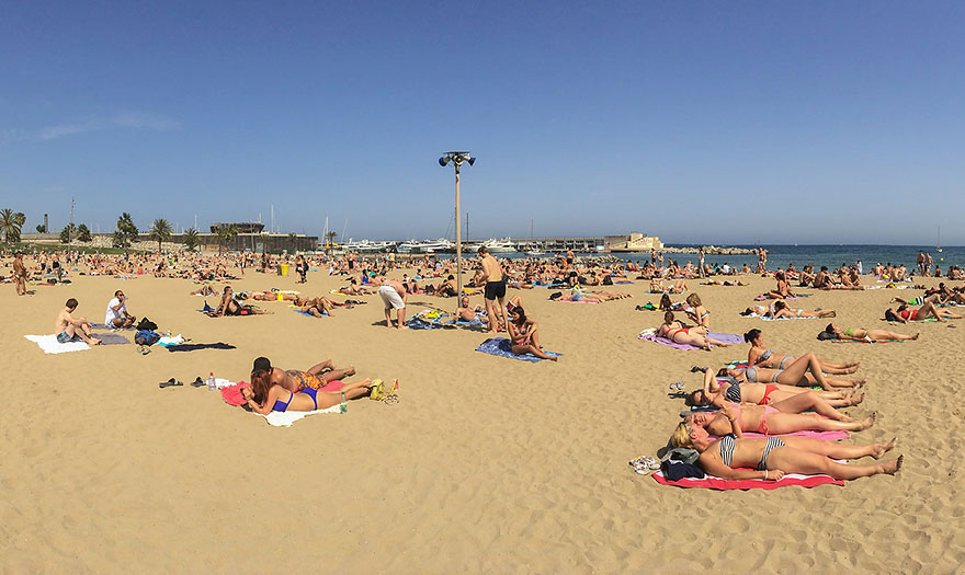 Time at the beach - relaxing thing to do in Barcelona