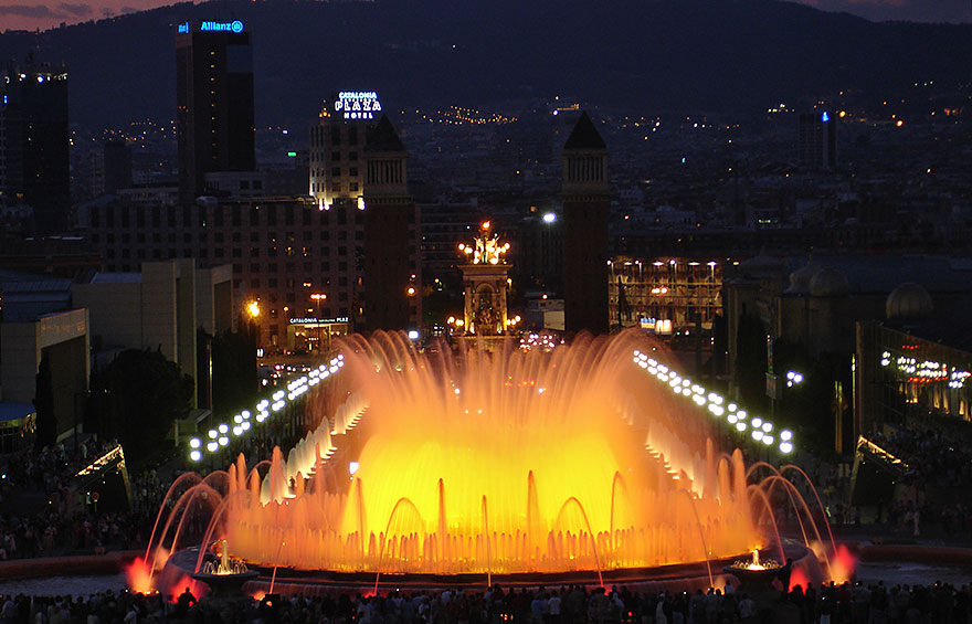Magic Fountain of Montjüic - free activity in Barcelona