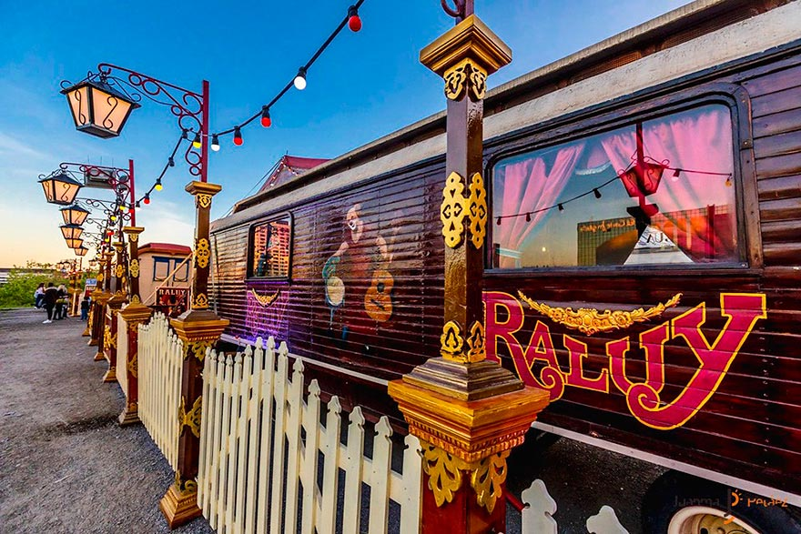Circ Raluy wagons