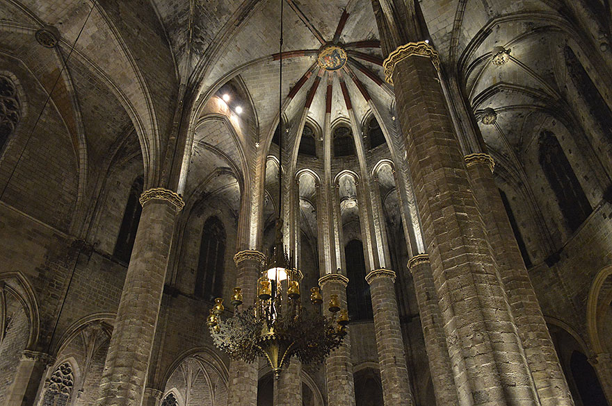 Santa Maria del Mar at Christmas in Barcelona