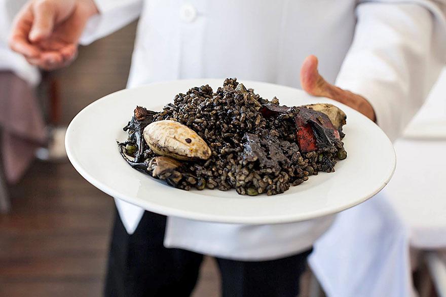 Arròs Negre at Elche restaurant in Barcelona